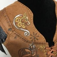 Lagertha, shoulder detail